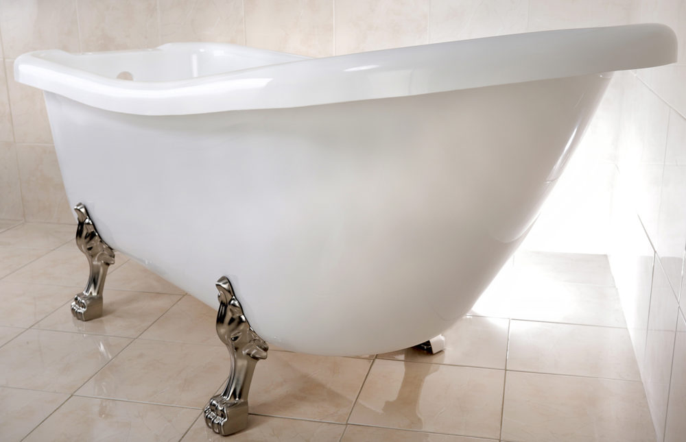 Tips for choosing the right clawfoot tub to suit your bathroom ...