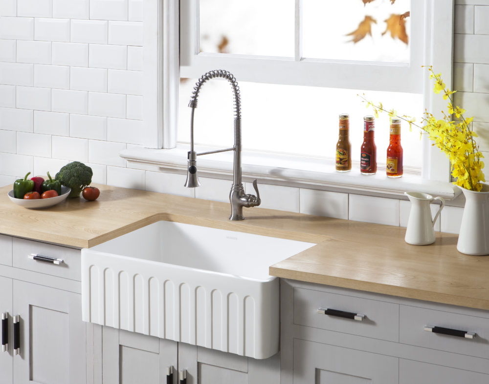 Farmhouse Kitchen Sinks | Kingston Brass